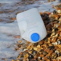 10 tips to reduce your plastic use Image